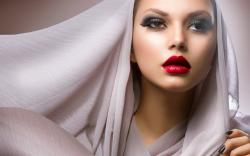 Make-Up Girl Fashion