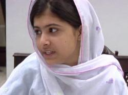Malala Yousafzai: Humbling courage of Pakistani girl who took on the Taliban | Mail Online ...