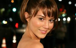 ... Mary Elizabeth Winstead ...