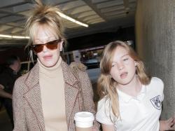 Melanie Griffith and Stella Banderas Photos - Melanie Griffith And Her Daughter Stella Leaving A Medical Building - Zimbio