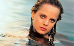 Mena Suvari Wallpaper #5a2vs