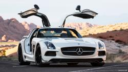 2014 Mercedes-Benz SLS AMG Coupe Black Series White - Front Wallpaper