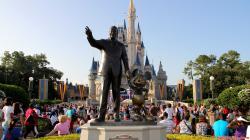 Walt Disney Mic .