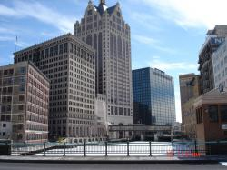 Milwaukee, WI : Milwaukee River Downtown
