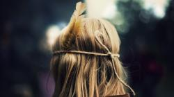Mood Girl Blonde Hair Feather