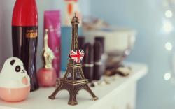 Mood The Eiffel Tower Heart UK Flag HD Wallpaper