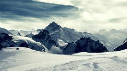 Snowy mountain peaks wallpaper