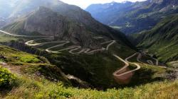 Mountain Road Backgrounds 37791 2560x1600 px