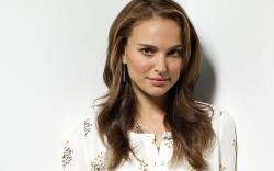 Preview wallpaper natalie portman, brunette, shirt, smile, charming 3840x2400