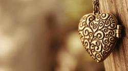 Description: The Wallpaper above is Heart necklace Wallpaper in Resolution 2560x1440. Choose your Resolution and Download Heart necklace Wallpaper