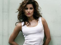 Nelly furtado .