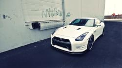Nissan GT-R Car White