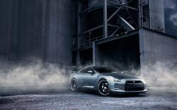 Nissan GT-R R35 Smoke Warehouse
