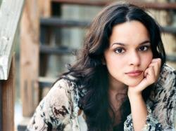 Download » Norah Jones Wallpaper