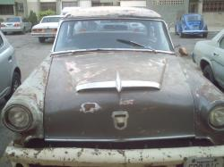 File:Old car in Maracaibo.JPG