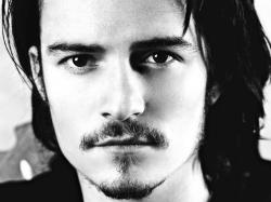 Orlando Bloom Wallpaper Background Desktop HD 08