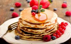 DOWNLOAD: pancakes crepes honey plate berries blueberries raspberries currants free picture 2560 x 1600