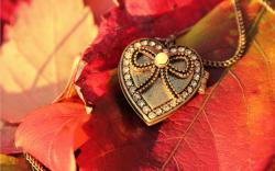Pendant red leaves Wallpapers Pictures Photos Images. «
