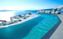 swimming pool santorini