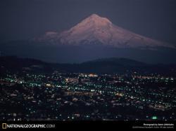 Snowy Mount Hood Portland Oregon Nature Wallpaper Image 1600x1200px
