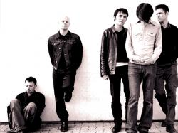 According to those great Radiohead fans over at atease, Radiohead sound checked a new song before their show in Cincinnati yesterday.