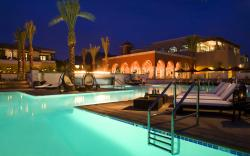 Romantic resort evening Wallpapers Pictures Photos Images. «
