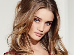 Rosie Huntington-Whitely pics