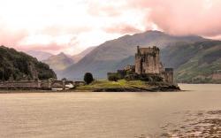 Eilean_Donan_Castle_Dornie_Scotland.jpg