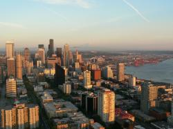 Downtown Seattle averages 71 sunny days a year, with most of those days occurring between May and September [66]