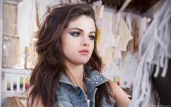 Selena Gomez 2015 50 HD Screensavers