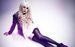 Sexy Taylor Momsen Wallpaper 24868 2560x1600 px