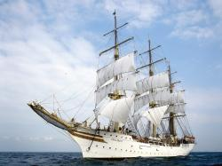 awesome ships hd wallpapers top ship background images widescreen