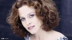 Great Sigourney Weaver HD Wallpaper