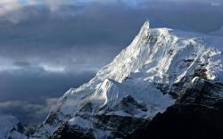 Snowy mountains wallpaper 2560x1600