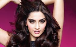 Will Sonam Kapoor Foray Into Hollywood? - Sonam Kapoor, Anil Kapoor - Masala! - Bollywood Gossip News, Indian Celebrities and Pictures
