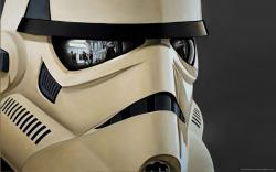 stormtrooper-with-reflections.jpg