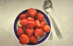 Strawberries Berries Spoon Fork Bowl