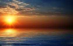 Download Magic Sunset over Sea Wallpaper :