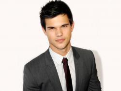 On 11-2-1992 Taylor Lautner (nickname: Tay, TLaut, Taylor Daniel Lautner) was born in Grand Rapids, Michigan, United States.