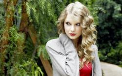 hollywood actress taylor swift