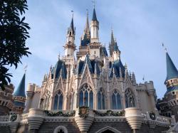 Tokyo Disneyland Castle 1600x1200 wallpaper