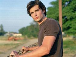 Tom Welling Wallpapers-5