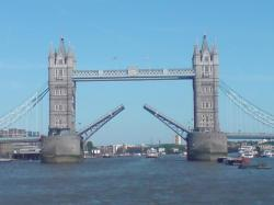 File:Tower Bridge 1 IJA.PNG