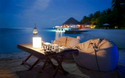 Tropical beach dinner