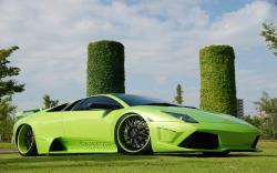Tuning green Lambo