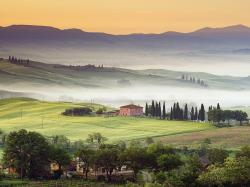 Valley Villa Val Orcia Tuscany Italy free wallpaper in free desktop backgrounds category: Valley-landscape.