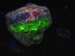 Fluorescent uranium ore (uraninite), 108g/3.81oz, Grand County, Utah – Uranium Rocks