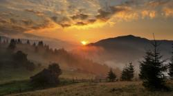 Magnificent Sunrise In The Valley wallpaper