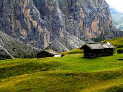 Two Cottages In Mountains Valley wallpaper