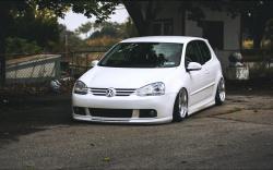 VW Volkswagen Golf MK5 White Tuning Car Front